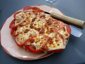 Tartine pesto, tomates, mozarella
