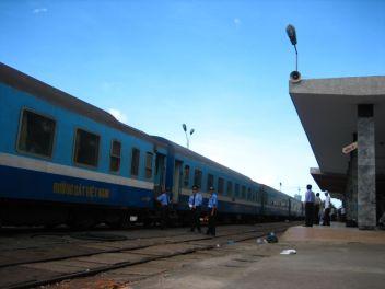 Vietnam_Train_01